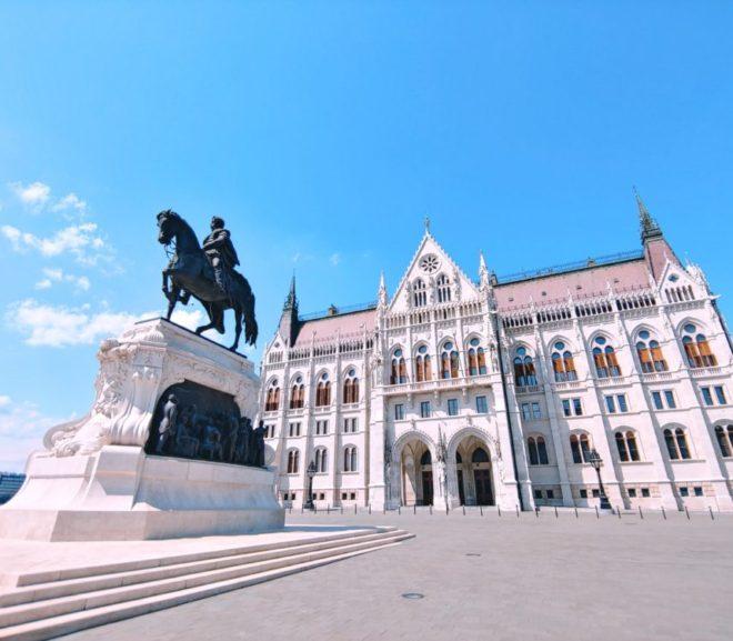 ブダペスト(鎖橋・国会議事堂・慰霊の靴)