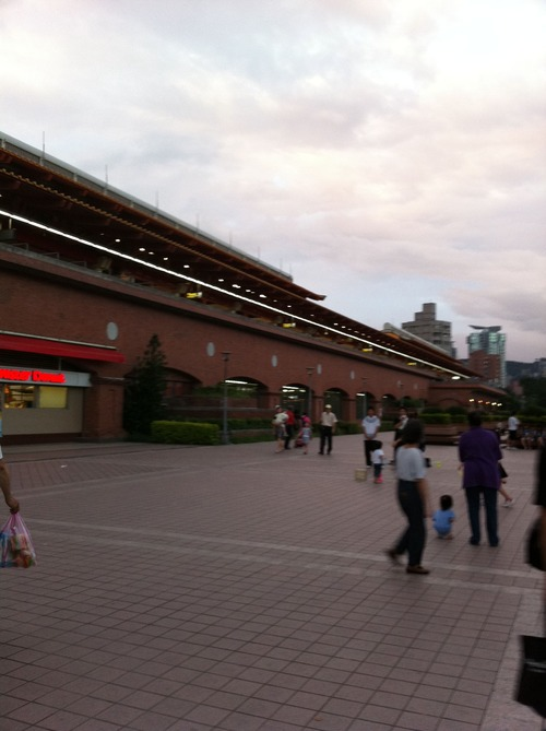 写真 2011-05-26 19 33 50